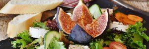Neljä-tyypillistä-kattausta-kasinoiden-ravintoloissa-Salaatti